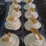 B 52 - Cupcake Schokolade mit Buttercreme-Cointrau und kandierte Orange