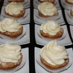 Apfelstreusel mit hausgemachter Vanillecreme