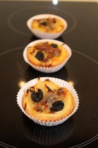 Zwiebelkuchen provencale mit Sardellen und Oliven