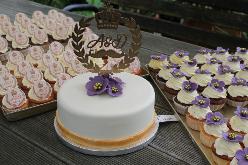Hochzeitstorte_Lila_Cupcakes